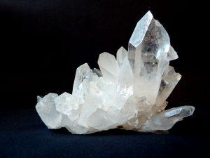 Un morceau de cristal de roche